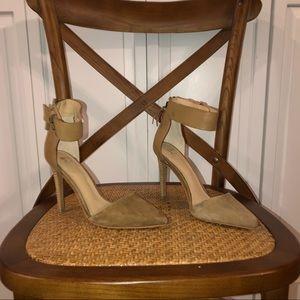 Joe's size 6 stiletto heel brown suede